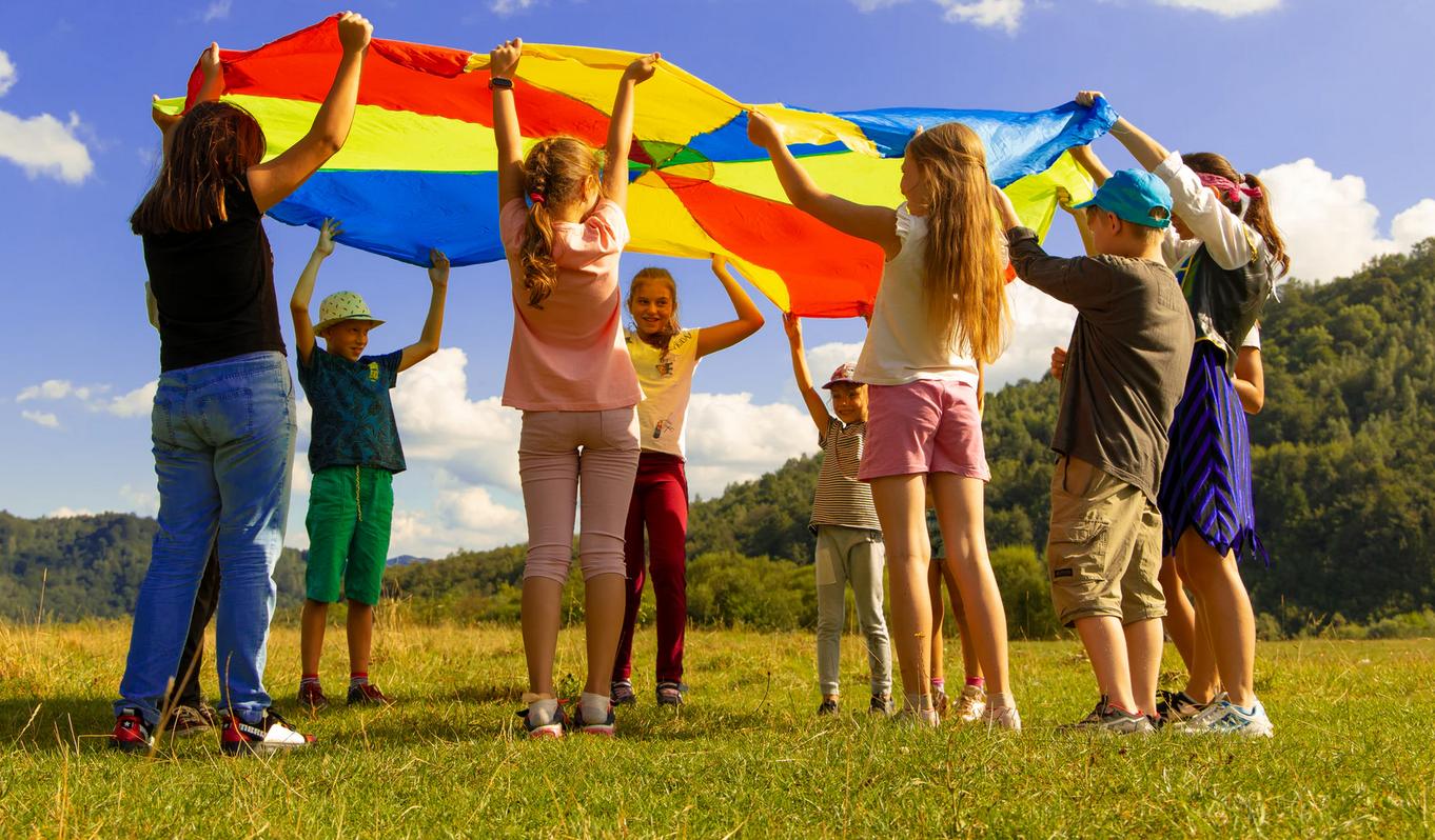 Як працюватимуть дитячі табори в карантин та куди відправити дитину на відпочинок | Пояснення | ЛІГА.Life